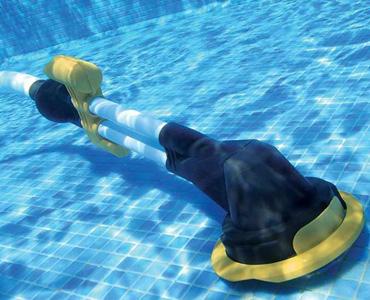 Un balai de piscine
